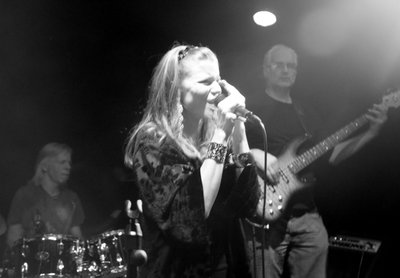 Heidi Andresen & Band on stage
